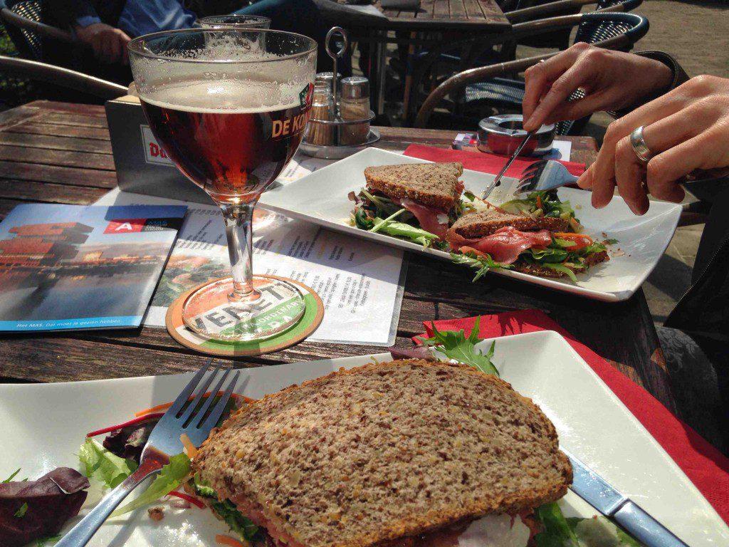 lunch in Antwerpen met bier