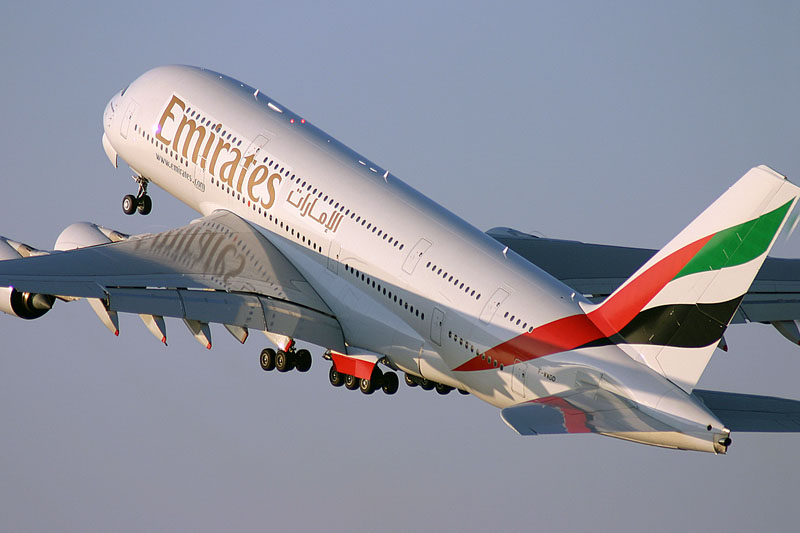 emirates naar bali