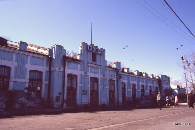 Ishim treinstation, transsiberië express tussen Jekaterinenburg en Novosibirsk