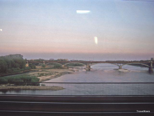 de Wisła bij Warschau, Polen per trein