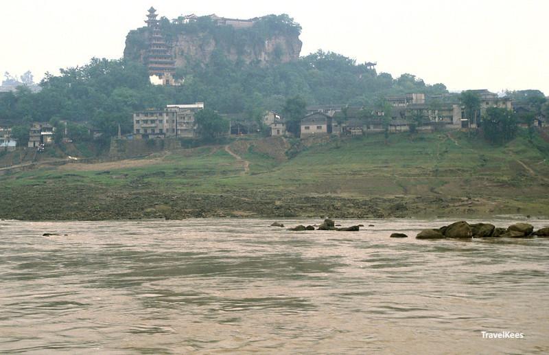 pagoda of shibaozhai, yangtze river, 1990