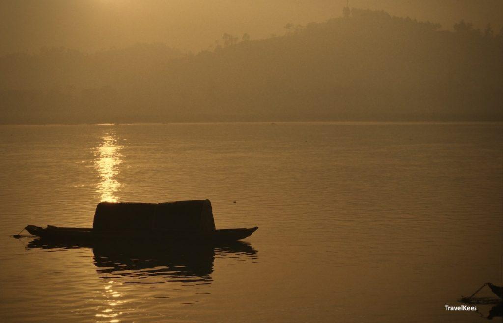 min rivier bij leshan, zonsondergang