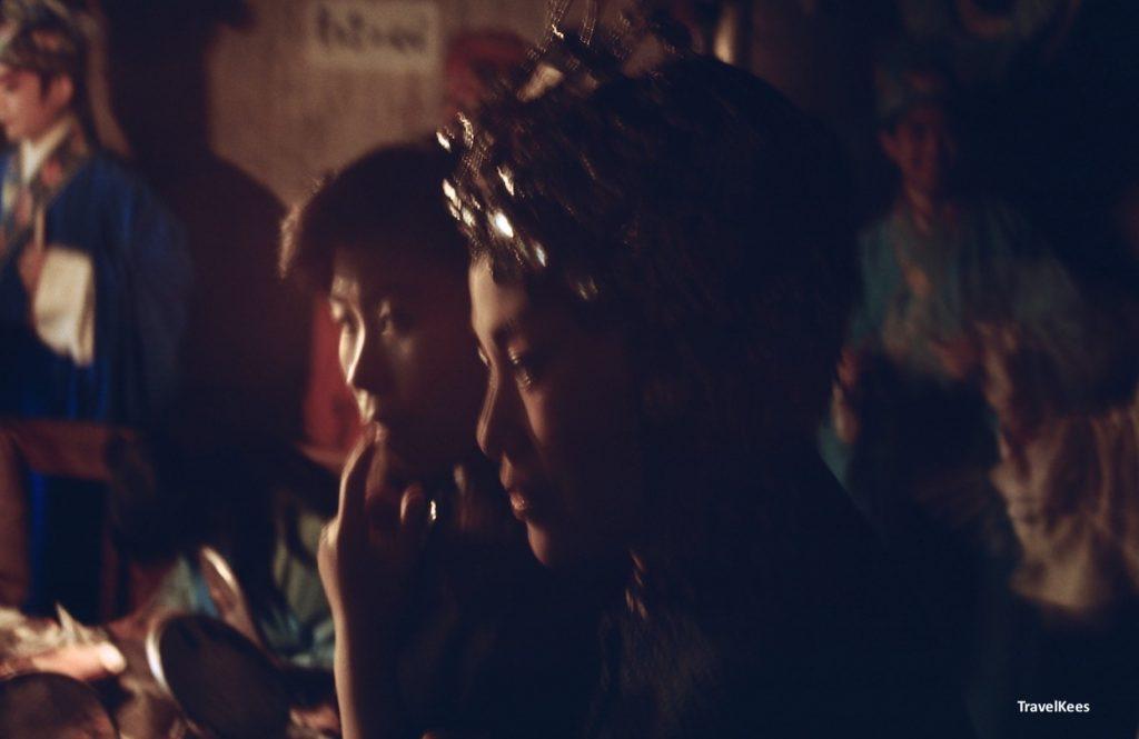 artiesten in kleedkamer van de opera, chengdu