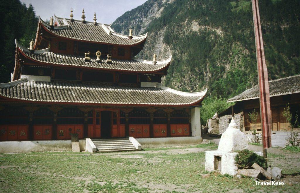 zharu temple, jiuzhaigou