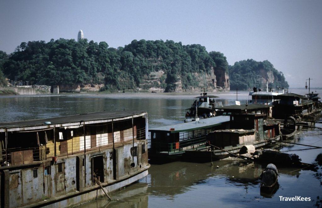 boten in de Min rivier, Leshan