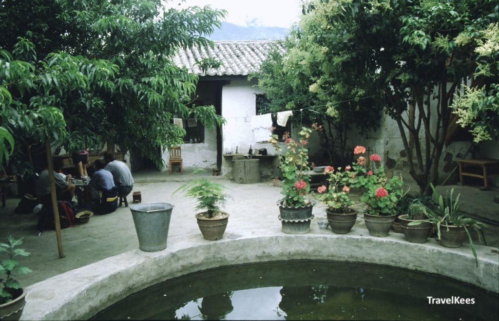 binnenhof van een boerderij, yunnan, china