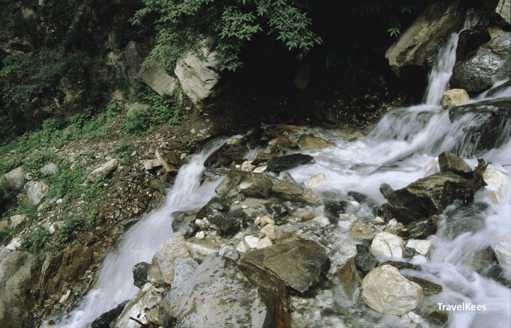 bergpad van de tiger leaping gorge
