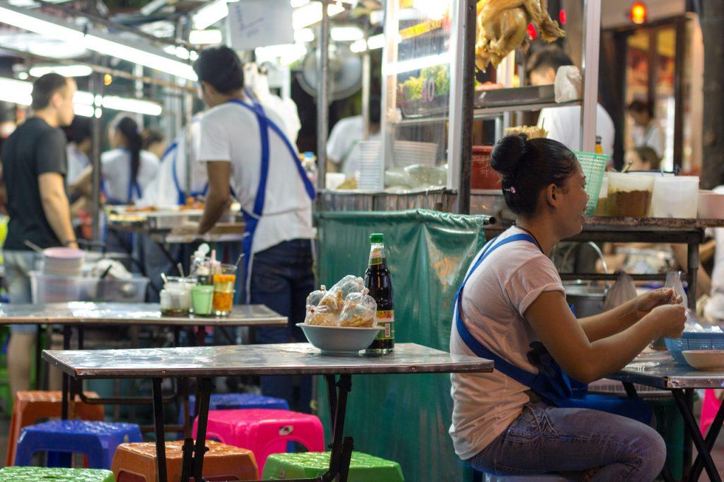 eetstalletjes khao san road in bangkok