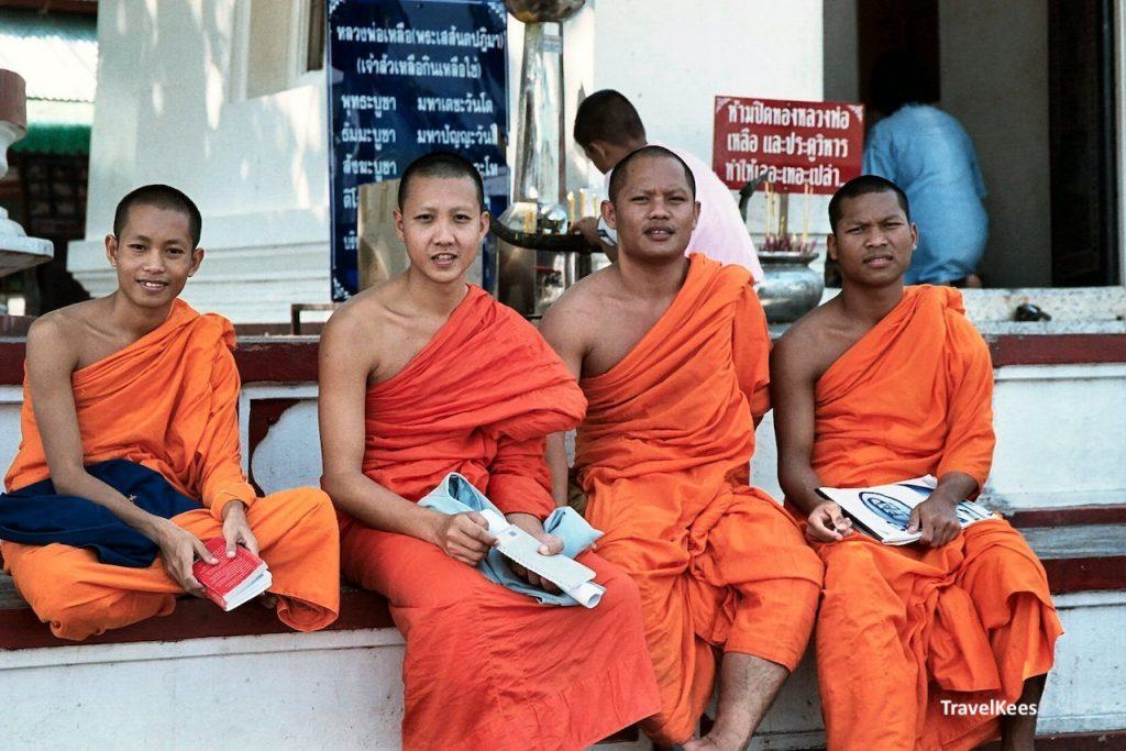 monikken in tempel, phitsanulok