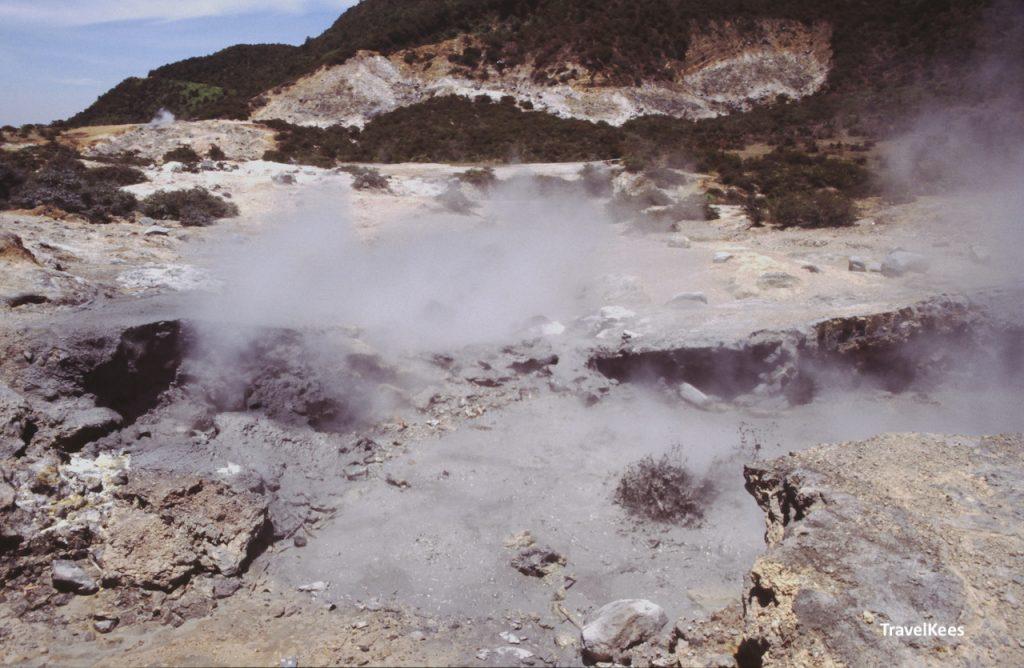 zwavelbronnen, dieng plateau