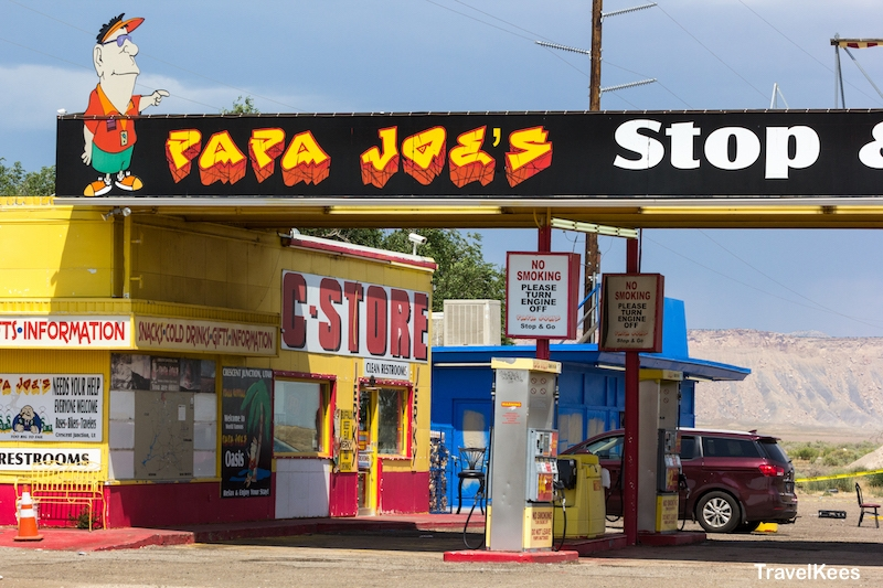 tankstation, utah, crescent junction, papa joe,