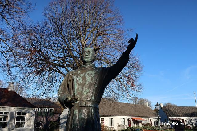 schiermonnikoog, monnik, standbeeld