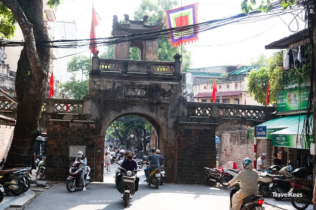 hanoi old quarter, hanoi old city gate,
