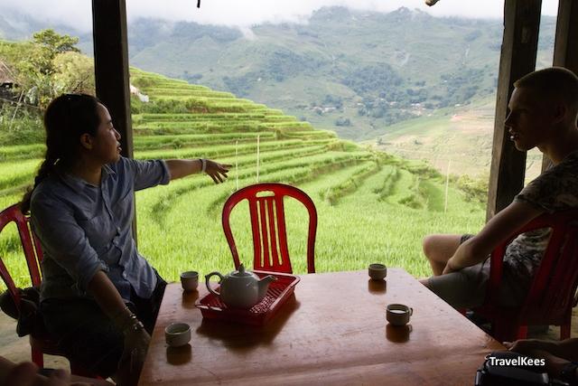 uitzicht vanuit guesthouse over rijstterrassen, sapa