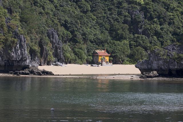 tempel, Lan Ha Bay,
