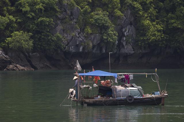 visser, vissersbootje, Lan Ha Bay