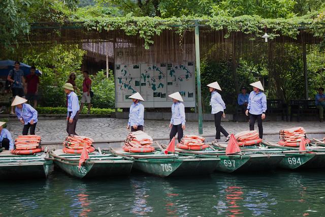 genummerde bootjes in Trang An bij Ninh Binh