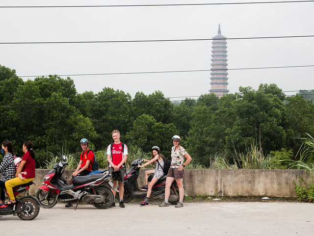 bai dinh, pagode, motorfiets, bike