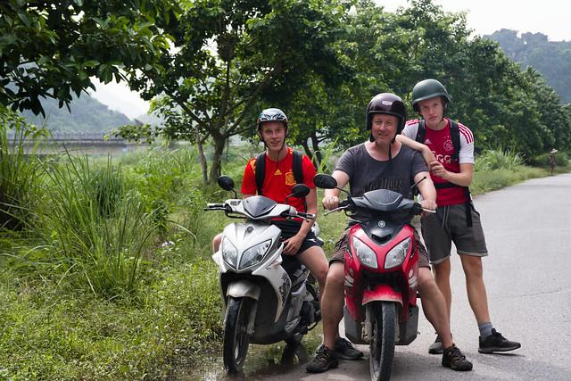 met de motorfiets in Ninh Binh en Tam Coc
