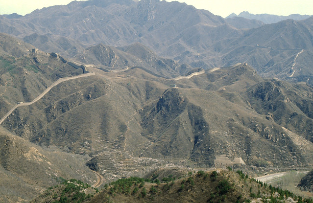 great wall of china in the mountains, chinese muur in de bergen bij Badaling,
