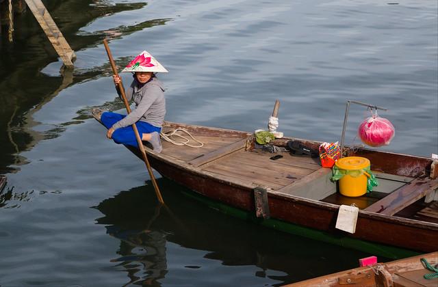 bootje in de rivier bij Hoi An