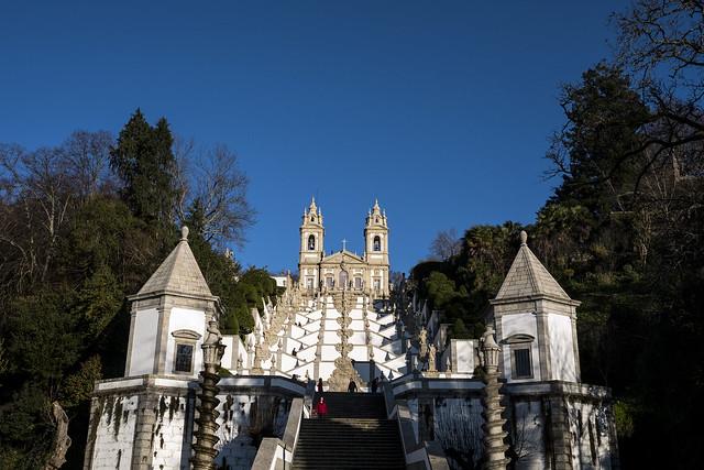 kerk met barokke trap, braga, noord portugal, costa verde