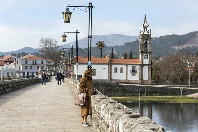 brug met kerkje in Noord Portugal, Costa Verde