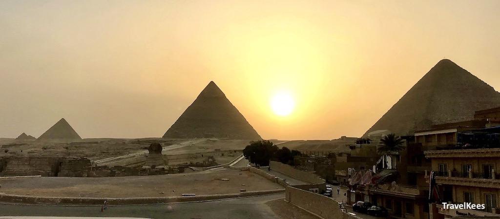 piramides, zonsondergang