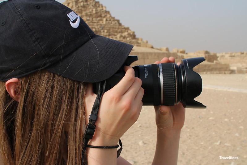 reizen in Egypte met kinderen, foto bij piramides
