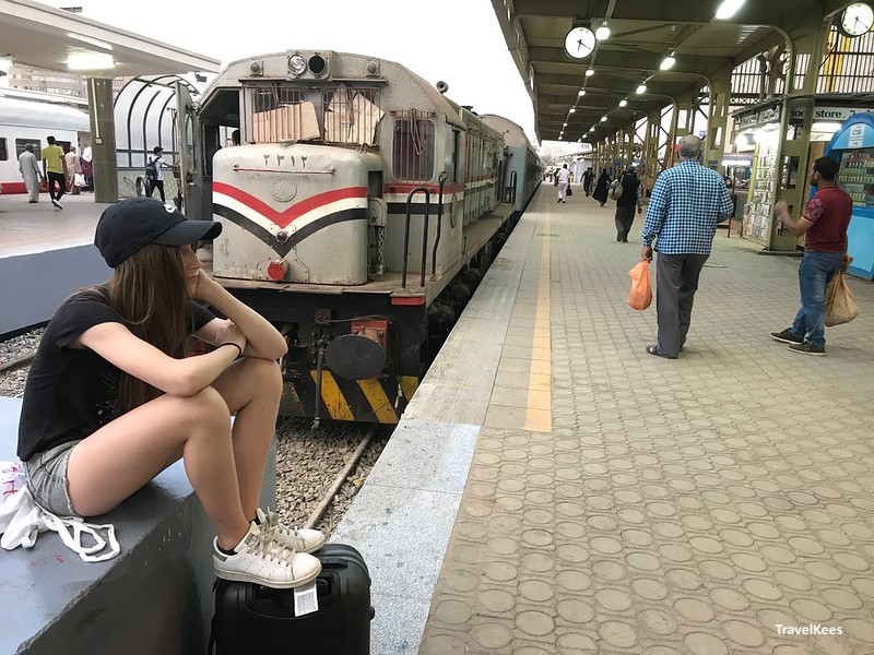 wachten op een trein, Ramses Station Cairo