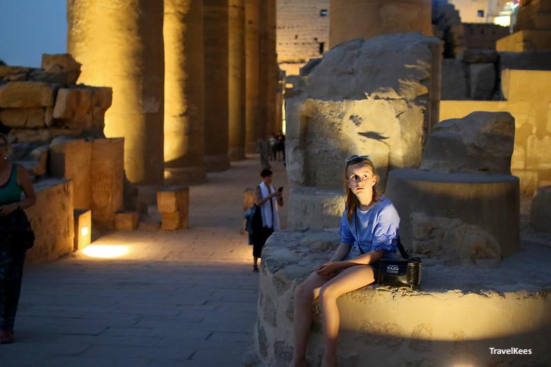 luxor tempel verlicht, egypte met kinderen