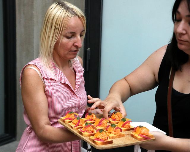open sandwiches tijdens de food tour door Praag