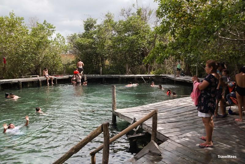 Hoyo negro Yalahau, cenote; 3 islands tour