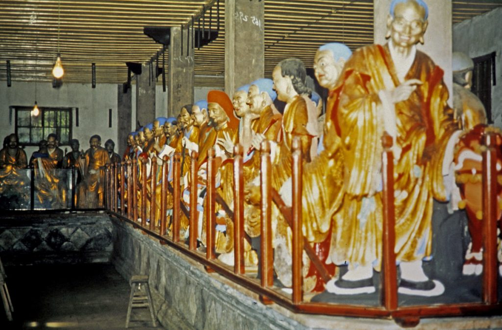 Baoguang Tempel - hal met 518 beelden van arahanten