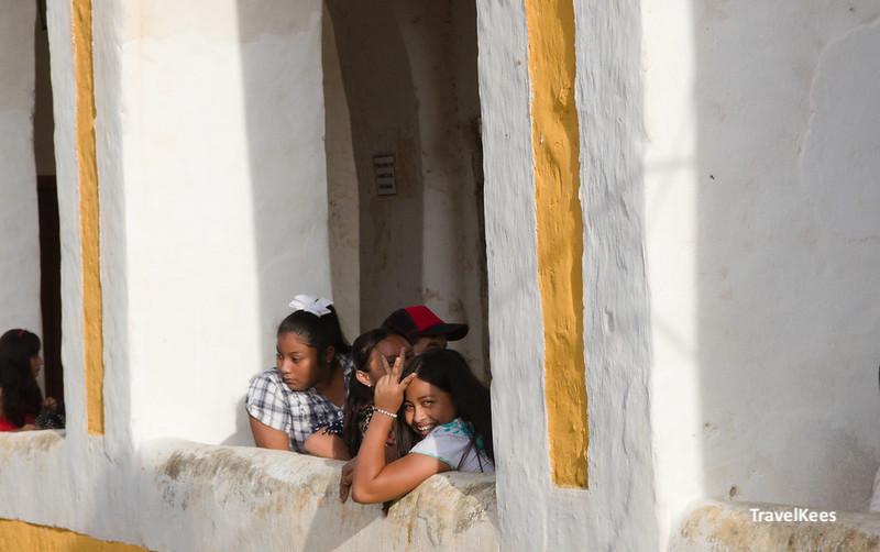 meisjes in izamal, mexico